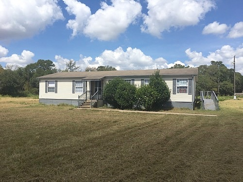 Lease to Own Home on County Road 127 Ledbetter, TX