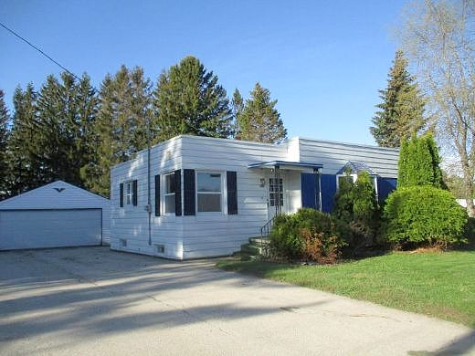 Lease to Own Home on Forest Home Drive Francis Creek, WI